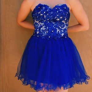 Dresses & Skirts - Blue Bedazzled Bodice Prom/Pageant Dress